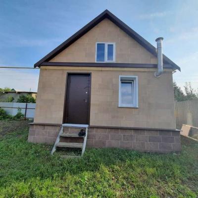 Продам часть дома с земельным участком. Дом деревянный, 2...