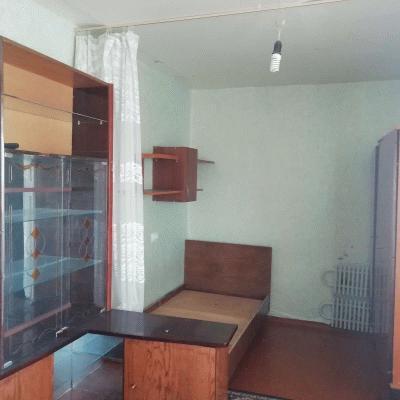 Продаётся комната с балконом, в северной части города, ря...