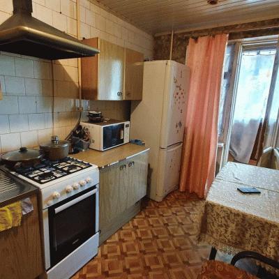 Продается двухкомнатная квартира в п. СТРОИТЕЛЬ мкрн Цент...