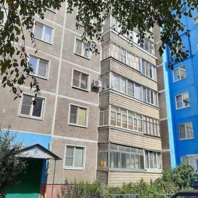 Продам трехкомнатную квартиру улучшенной планировки. Квар...